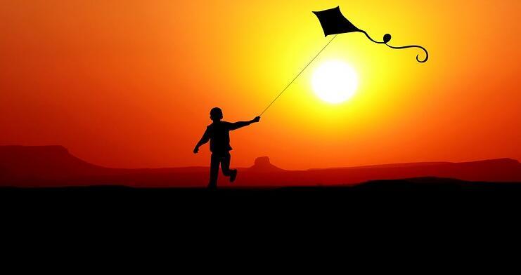 户外亲子活动放风筝