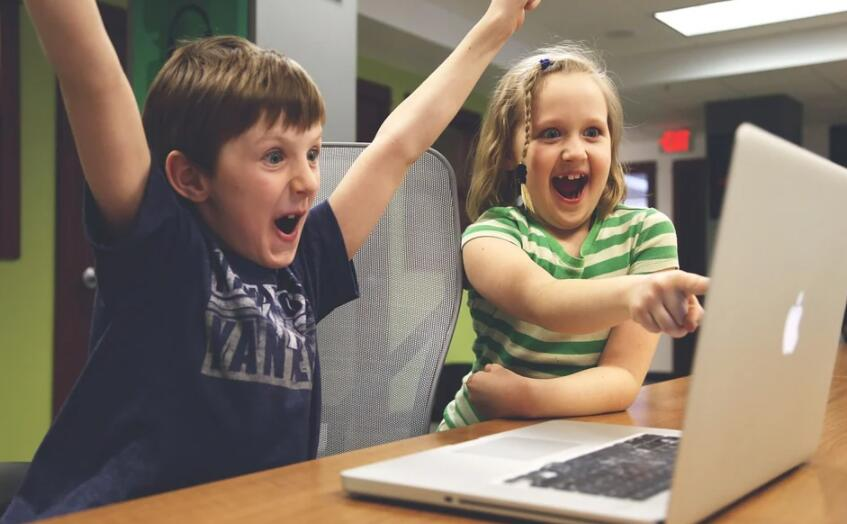 苹果为小学生推出编程指南